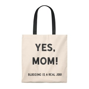 Vintage tote bags make great gifts for bloggers. Grab one for your friend (or treat yourself) and wear it proudly, because blogging is a real job!