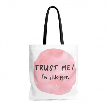 Trust me, I'm a blogger tote bag. Did you know that tote bags make great gifts for bloggers?