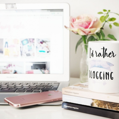 Instagram Worthy Coffee Mug For Bloggers + Gift Ideas from Blogging Mode
