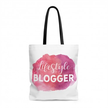Tote bag for lifestyle bloggers. Did you know that tote bags make great gifts for bloggers? Grab one for your friend (or for yourself) and wear it proudly. This watercolor designed bag goes with every outfit!