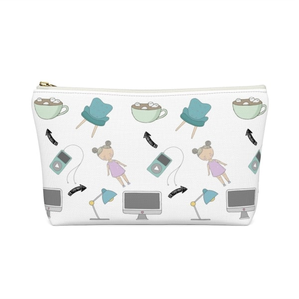 """Need an accessory pouch to store your make-up or an adorable travel bag to carry to the coffee shop with you? Check out our blogging bags collection (including this double-sided """"Blogging Mode On"""" print) and find more gift ideas for bloggers! Funny gift idea for bloggers, office gift idea, make-up pouch, photography prop bloggers, blogging humour, gift guide for business owners."""